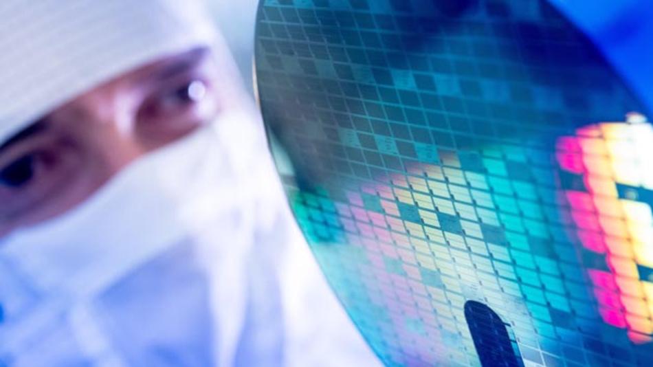 Bosch produziert die neue Generation der Halbleiterchips aus Siliziumkarbid im 40 Kilometer südlich von Stuttgart gelegenen Werk Reutlingen.