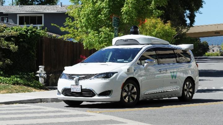 Google-Schwester Waymobringt ihre Roboterwagen erstmals in das von chronischen Staus geplagte Los Angeles. Damit will das Unternehmen testen, wie sich automatisierte Fahrzeuge im urbanen Umfeld verhalten.