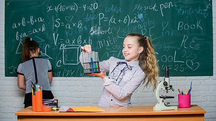 Beschleunigungsregelungssystem passiert auf das Matlab und Simulink von Mathworks