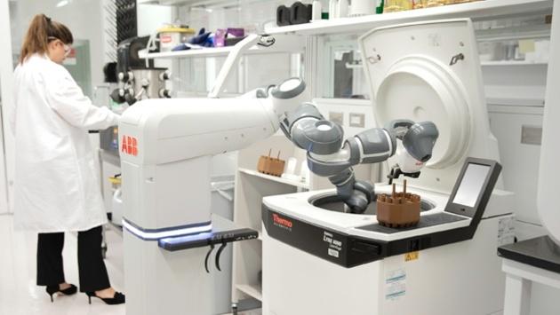 Robotik Roboter für das Krankenhaus der Zukunft