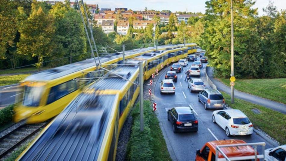 In Stuttgart herrscht viel Verkehr. Deshalb fördert Bosch mit dem Projekt »Go for Mobility« eine flexible Arbeitskultur zum Beispiel mit Homeoffice, bietet aber auch kostenfreie Nutzung des ÖPNV, Fahrrad-Leasing oder Carsharing.