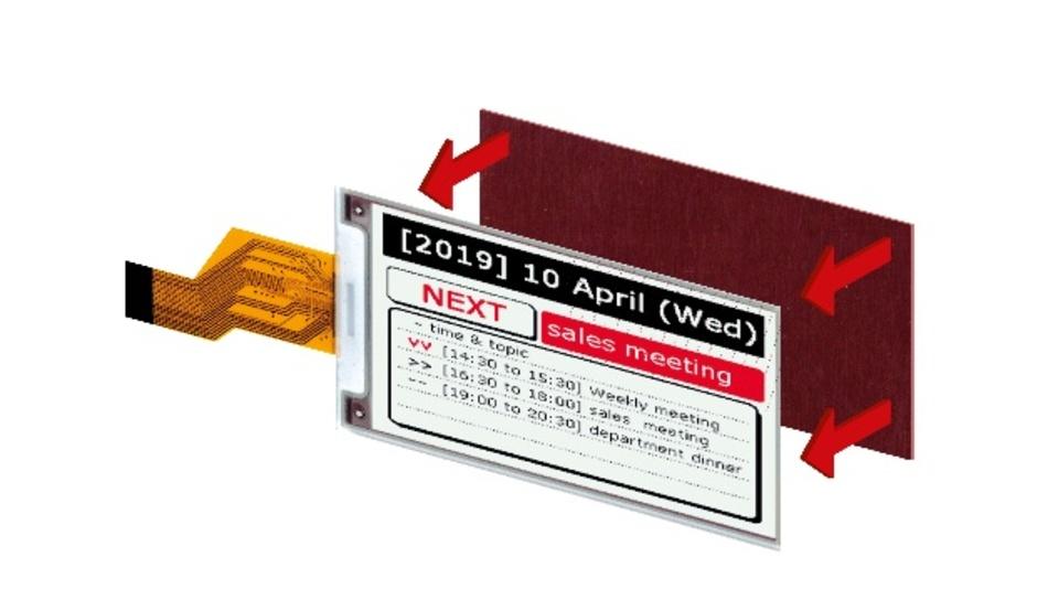 Harz-Boards für dreifarbige E-Paper-Displays Mit einer neuen Familie von robusten Dreifarb-Displays adressiert Pervasive Displays den Markt für tragbare Geräte. Die Palette der schwarzen, weißen und roten Displays – die 3,7-Zoll-, 4,2-Zoll-, 4,37-Zoll- und die 7,4-Zoll-Modelle – ist mit einem am Glassubstrat befestigten Harz-Board ausgerüstet, das den Bildschirm vor Bruch schützt. Je nach Bildschirmgröße reicht die Pixeldicht von 117 bis 130dpi; den Blickwinkel gibt der Hersteller mit 180° an. Die Displays benötigen keinen Netzstrom und können mit einer Knopfzelle betrieben werden. Der eingebaute Timing-Controller (iTC) minimiert den Bedarf an Peripherieschaltungen, was zu kleineren Komplettgeräten oder zu mehr Platz für Batterien und andere Komponenten führt.  Pervasive Displays, www.pervasivedisplays.com, Tel. +31 68 1296400