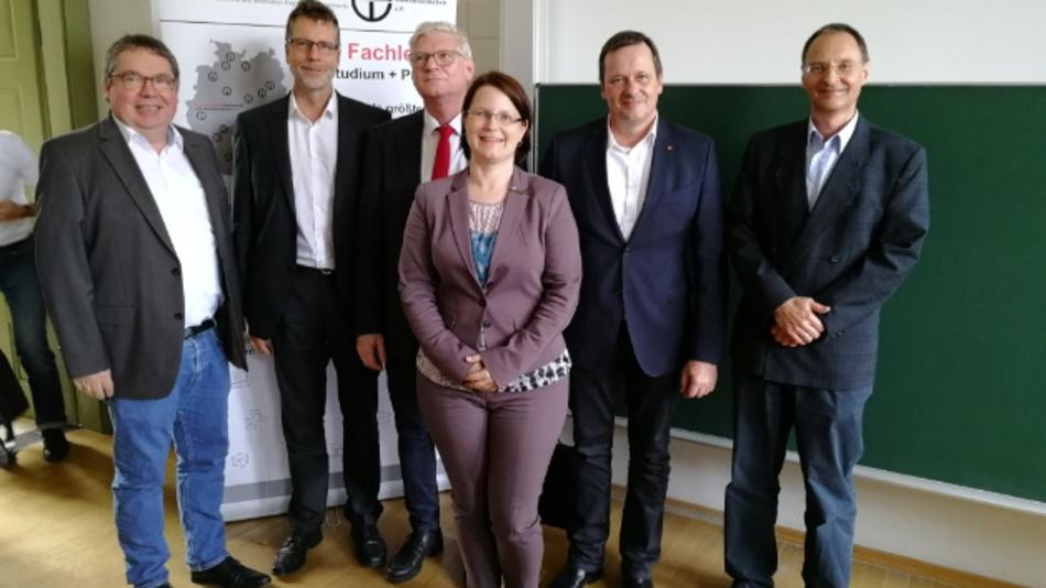 Neue Besetzung des Vorstands Der neugewählte Vorstand des FBTEI - v.l.n.r.: Faupel, Dahlkemper, Jack, Kastell (Vorsitzende), Rehm, Runge (Kassenwart)
