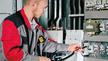 Der erfolgreich durchgeführte E-CHECK durch Fachhandwerker führt zu einer Prüfplakette, die dokumentiert, dass die Anlage sicher ist.