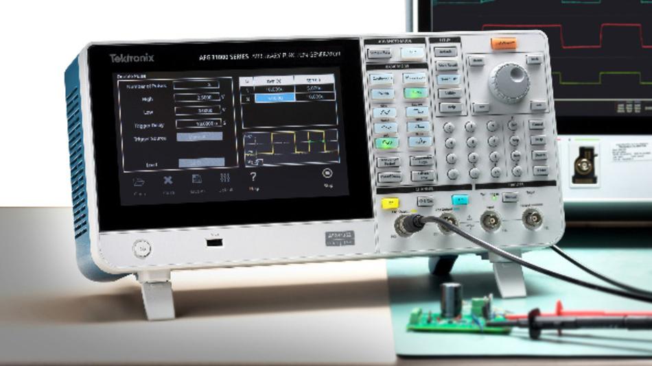 Mithilfe eines kostenlosen Software-Plug-ins kann der Arbiträr-Funktionsgenerator AFG31000 von Tektronix auch Doppelpulstests ausführen.