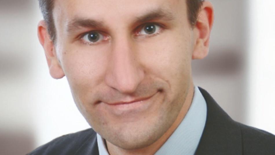 Martin Pfalzgraf hat an der Berufsakademie (BA) in Karlsruhe Elektrotechnik studiert und ist seit 2010 in der Elektronikbranche tätig. 2018 kam er zu Rutronik in den Bereich Technical Support für Steckverbinder. Sein Verantwortungsbereich umfasst Stecker, Steckverbinder und Kabel. martin.pfalzgraf@rutronik.com