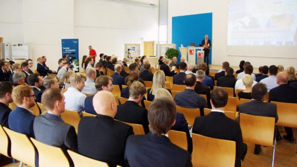 Prof. Tuczek referiert beim letzten Landshut Leadership-Forum 2018.