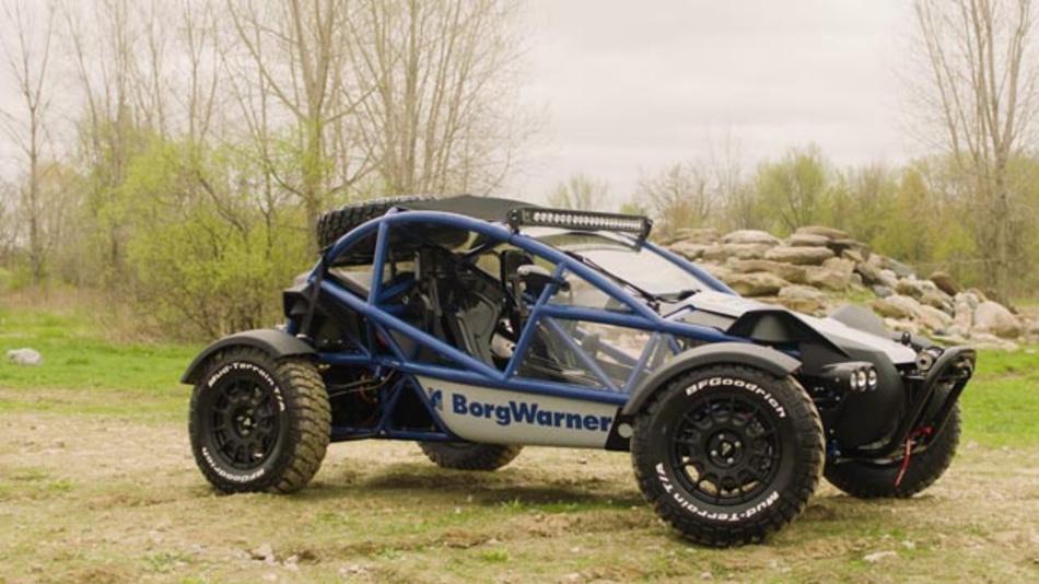 BorgWarners neues Hochvolt-Elektro-Demonstrationsfahrzeug zeigt die Fähigkeiten des Unternehmens im Bereich hochentwickelter Antriebe und unterstützt die rasche Implementierung zukünftiger Technologien.