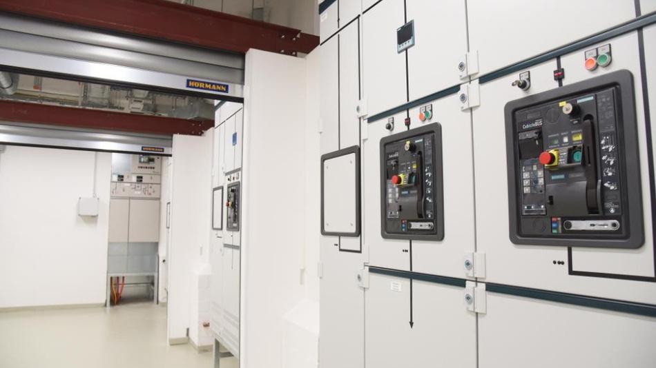 Bereit zum Einsatz: Im neuen Labor an der Technischen Fakultät können Transformatoren im Bereich der Mittelspannung getestet werden.