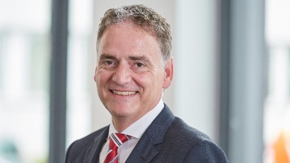 Guido Ege, Lapp: Wir sind überzeugt davon, dass  sich in den nächsten Jahren ein Wandel bei der Energieübertragung und Energiegewinnung vollziehen wird. Es sind aktuell schon erste Projekte in der Entwicklung, die in den kommenden zwei bis drei Jahren in den Praxiseinsatz gehen werden. Dabei handelt es sich vor allem um vernetzte Großanlagen.