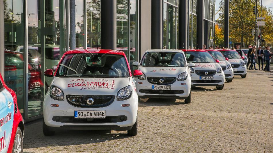 »fleetshare by smart« im Praxistest: Die Caritas in Nordrheinwestfalen organisiert ihren Fuhrpark mit dem neuen Dienst.