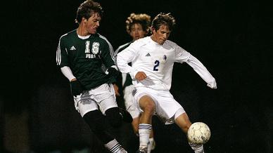 Gibt es einen Zusammenhang zwischen Fußball und Alzheimer? Das untersuchte eine Studie in England?