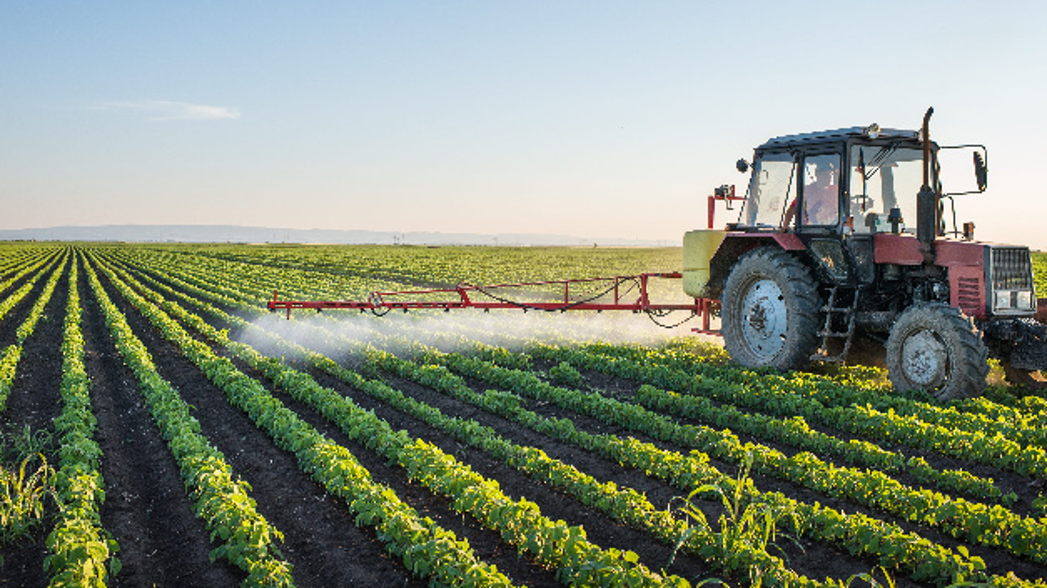 Laut Prognosen der Landwirtschaftsorganisation der Vereinigten Nationen (FAO) müssen Landwirte bis zum Jahr 2050 auf nachhaltige Weise rund 50 Prozent mehr Ertrag erwirtschaften, um die Weltbevölkerung zu ernähren. Deshalb sind Pflanzenschutz und technische Innovationen erforderlich.
