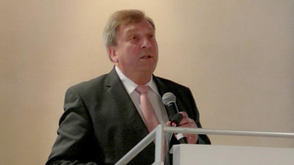 Johann Weber, Vorsitzender des ZVEI-Fachverbands PCB and Electronic Systems: »Der deutsche Markt für elektronische Bauelemente wird zum Jahresende 2019 einen Rückgang um gut vier Prozent aufweisen und mit einem Umsatz von 20 Milliarden Euro nur das Umsatzniveau von 2017 erreichen«.