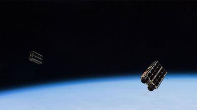 Die Forschungsnutzlast der Satelliten besteht unter anderem aus einem 60-W-Hall-Effect-Thrusters (HET), einen integrierten 30-W-HET (1,5 U) und zwei 10-W Hall-Effect-Micro-Jets.