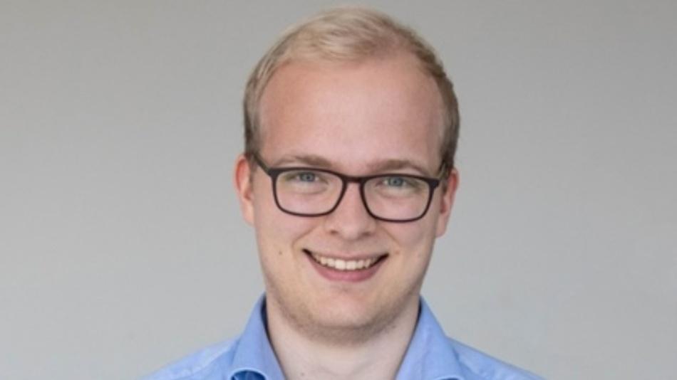 Jan Lehmann studierte Wirtschaftsingenieurwesen an der Universität Augsburg und schloss das Studium mit einem Master of Science ab. Er arbeitet seit November 2017 beim Steckverbinderhersteller ept im oberbayerischen Peiting als Produktmanager für Verbindungstechnologie.