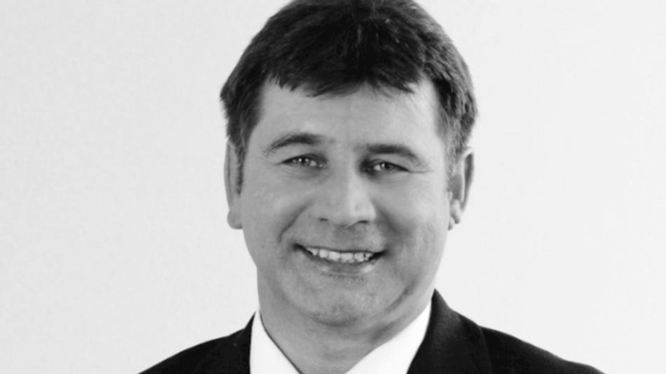 Christoph Jehle, Dipl.-Ing. (FH) studierte an der FH Augsburg Elektrotechnik mit Schwerpunkt Nachrichtentechnik. Er ist bei TDK Electronics als Manager für die Technik- und Produkt-Kommunikation tätig. christoph.jehle@tdk-electronics.tdk.com