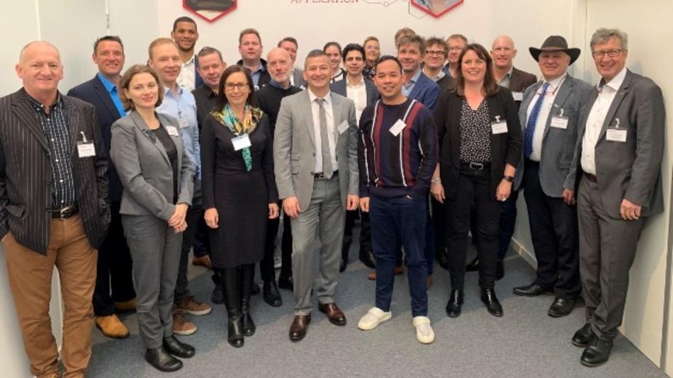 Über 20 Kunden und Businesspartner aus unterschiedlichen Branchen besuchten den Velocity TechDay.