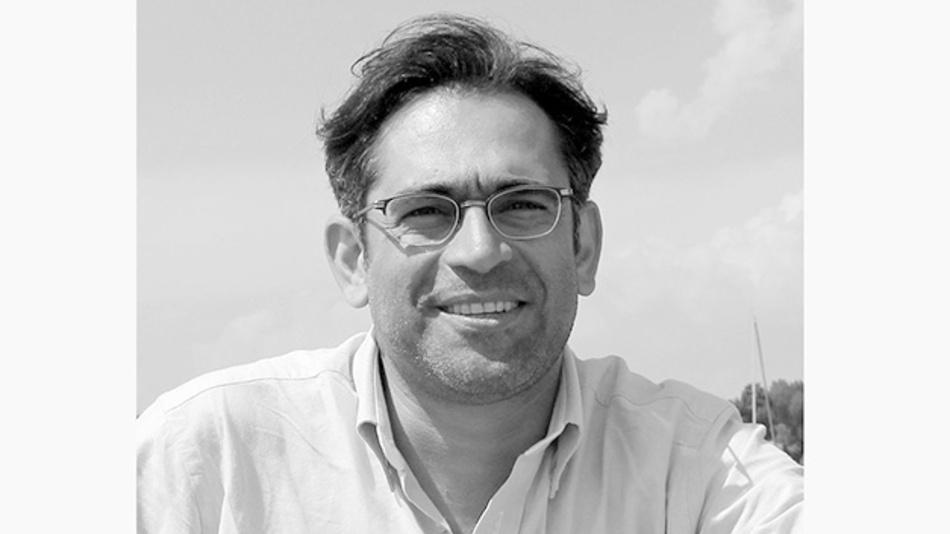 Dr. Ali Shirsavar ist ein Experte für das Design von digitalen Netzteilen. Er kombiniert einen fundierten akademischen Hintergrund in der Theorie des Netzteildesigns mit den praktischen Fähigkeiten, die erforderlich sind, um analoge und digitale Netzteildesigns zum Laufen zu bringen.