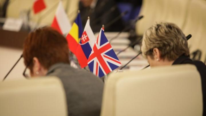 Der kein Ende nehmende Austritt Großbritanniens aus der EU, insbesondere die Berichterstattung über Debatten im Unterhaus und Abstimmungsniederlagen der britischen Regierung, machte die Menschen in Deutschland zunehmend brexitmüde (Platz 6). Das einz