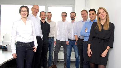 Großes Team, kleine Bauteile: Die Miniaturprofis aus Wien arbeiten mit ihrem Druckverfahren im Nanobereich.