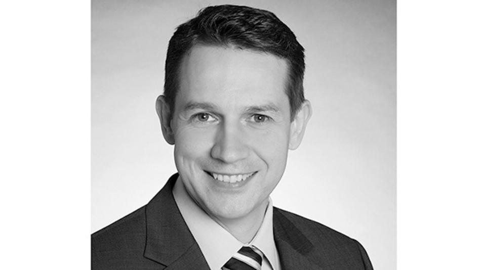 Matthias Fritsche  ist Product Manager und Experte für Ethernet Connectivity bei HARTING und betreut für die Technologiegruppe neueste Trends und Entwicklungen für industrielle Ethernet-Kommunikation. Weiterhin sitzt er in diversen Normengremien und treibt aktiv Standards und Normen für Anwender voran. Der Autor begleitet und treibt das Thema Single Pair Ethernet schon mehrere Jahre und sieht es als die zukünftige Infrastruktur für industrielle Netzwerke.