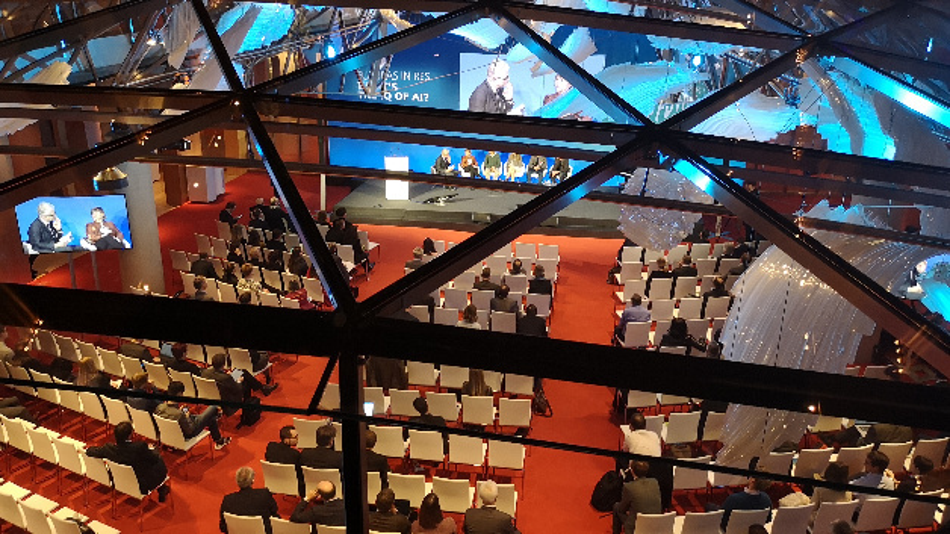 »What's the IQ of AI« war der Titel der nunmehr zweiten Veranstaltung der Wissenschaftskonferenzreihe Futuras in Res, die im Konferenzzentrum Axica in Berlin stattfand.