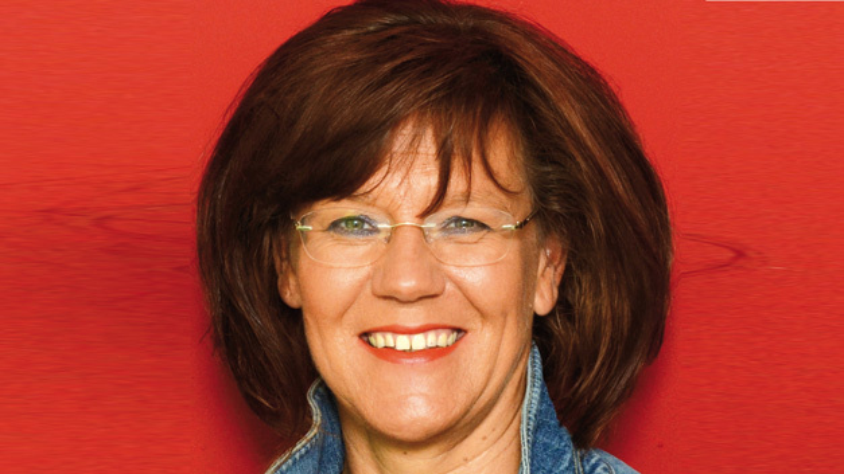 Gabriela Reckewerth, ASM Marketing »Das Thema Digitalisierung und Smart Integrated Factory wird uns und unsere Branche noch über Jahre beschäftigen – wir stehen hier erst am Anfang.«