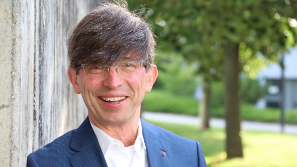 Mit Prof. Dr. Gunther Olesch scheidet nächstes Jahr einer der bekanntesten Personaler der Branche aus der Geschäftsführung von Phoenix Contact aus - nach 31 Jahren im Unternehmen.