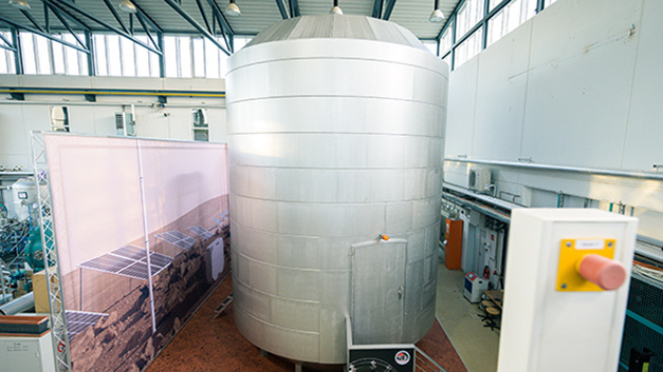 Die zylinderförmige Demo-Version von einem Wohn- und Arbeitsmodul, das für den Einsatz außerhalb der Erde gedacht ist.