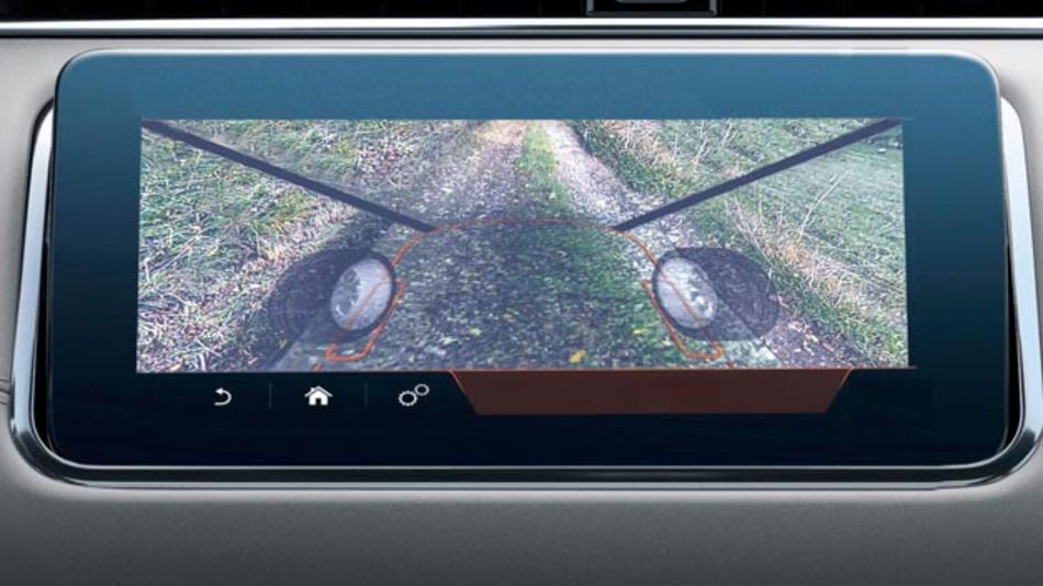 Satellitenkameras machen die Motorhaube transparent und ermöglichen dem Fahrer eine Sicht auf den darunterliegenden Boden.