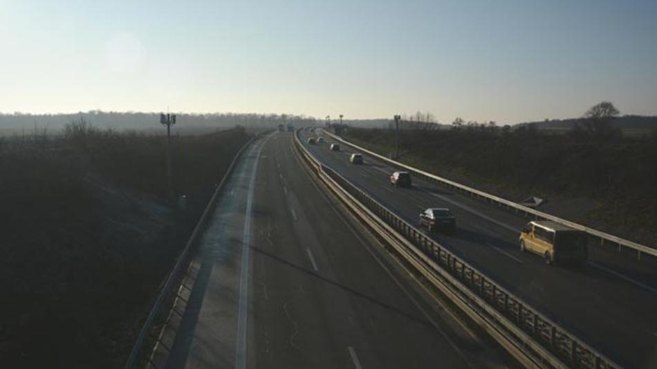 Das Testfeld Niedersachsen wurde offiziell eröffnet. Im Verkehrsraum der A39 werden anonymisiert Verkehsdaten erfasst. Das Testfeld Niedersachsen wird sich nach seinem vollständigen Aufbau über circa 280 km auf den Autobahnen A2, A39, A391 sowie mehrere Bundes- und Landstraßen erstrecken.