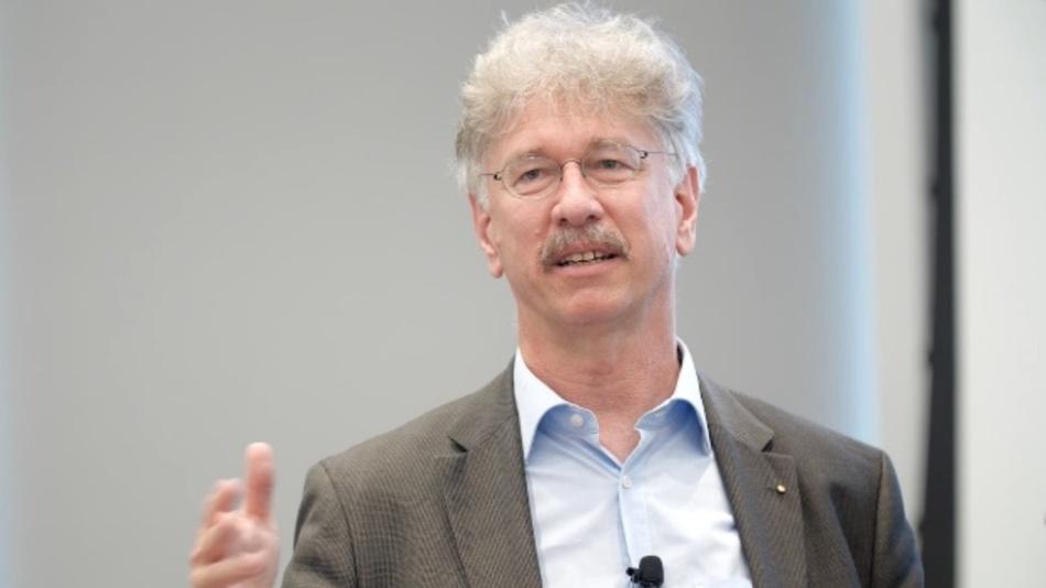 Dr. Karlheinz Blankenbach, Professor an der Hochschule Pforzheim, Vorsitzender des Deutschen Flachdisplay-Forums (DFF) und Chairman der electronic Display Conference