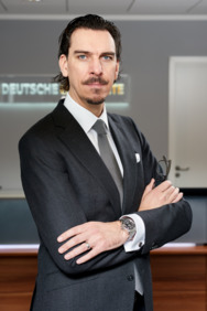 Porträtfotot: Alexander Hahn, Gründer und CEO der Deutschen Lichtmiete AG