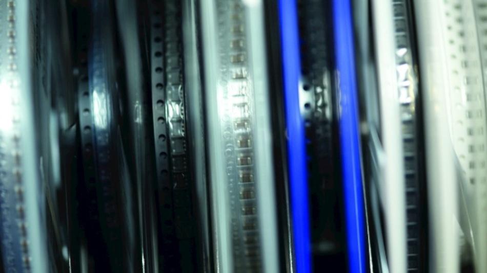Bild 2. Genau zu wissen, wieviele elektronische Bauelemente sich auf einer Rolle befinden, sichert einen reibungslosen Produktionsprozess.