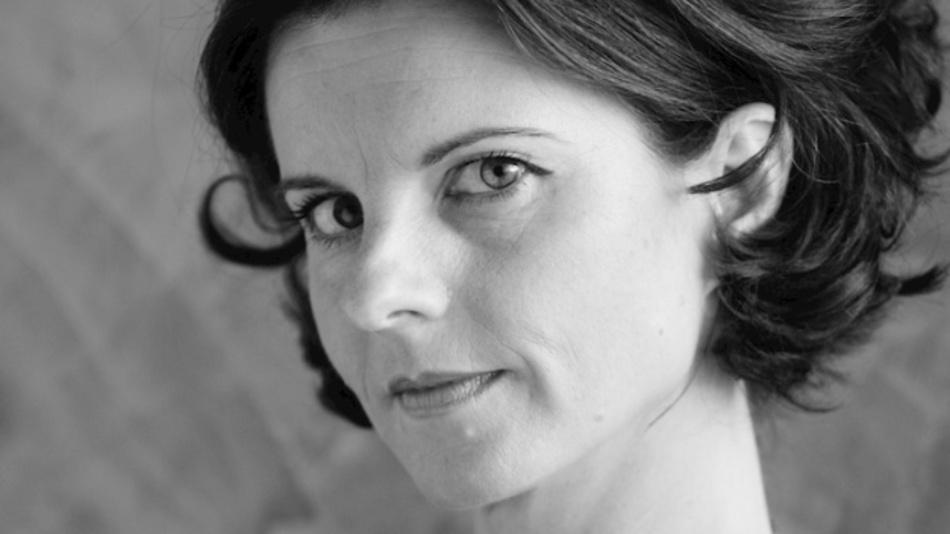 Stefanie Rüdell arbeitet seit 2014 bei der elsysko group und ist dort für den EMS-Dienstleister elektron systeme, optical control und ibp Prozessleittechnik für Öffentlichkeitsarbeit und Marketing verantwortlich. stefanie.ruedell@nordson.com