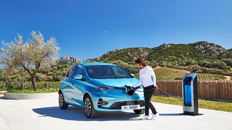 Zwei Pins für Gleichstrom beschleunigen die Ladezeit des Renault Zoe