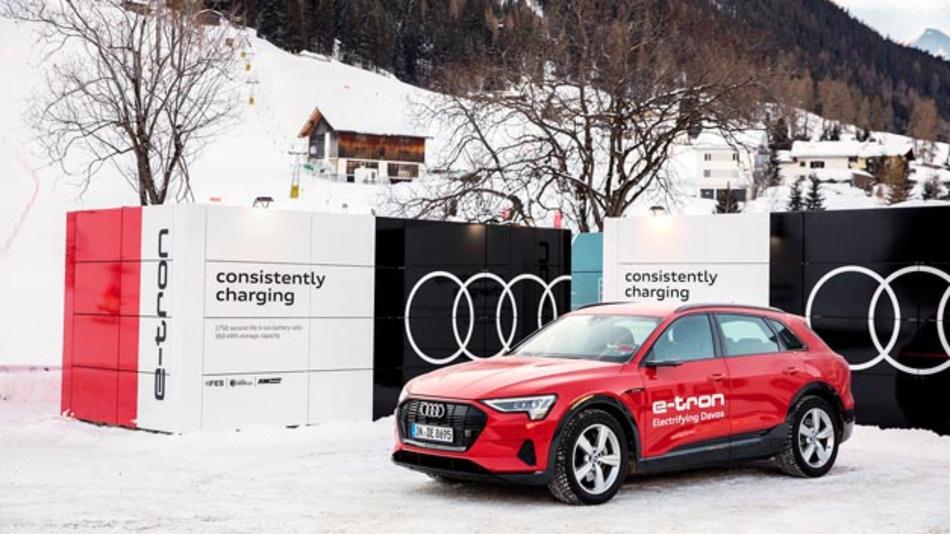 Audi fungiert zum 33. Mal als Mobilitätspartner des Weltwirtschaftsforums in Davos und stellt eine Flotte, die zu 90 Prozent elektrifiziert ist. Geladen werden die Fahrzeuge an eigens entwickelten mobilen Lade-Containern aus gebrauchten Batterien.