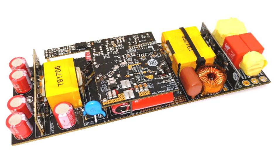 300 W dauernd lässt sich aus diesem Adapter-Netzteil ziehen, das GaN Systems und ON Semiconductor entwickelt haben.