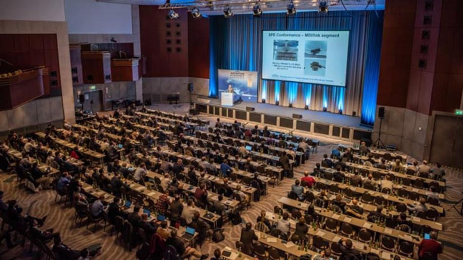IVN-Technologien wie Automotive Ethernet treiben die Entwicklung der E/E-Architektur im Fahrzeug voran. Welche Trends es hier zu verzeichnen gibt, zeigen die Keynotes von Robert Bosch und General Motors auf dem sechsten Automotive Ethernet Congress, der am 12. und 13. Februar 2020 in München stattfindet.