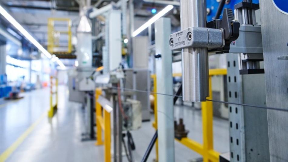Der speziell geformte Druckkopf der High Speed Line passt sich an die Form von Extrusionsprodukten an und erreicht so Höchstgeschwindigkeiten bei der Kennzeichnung.