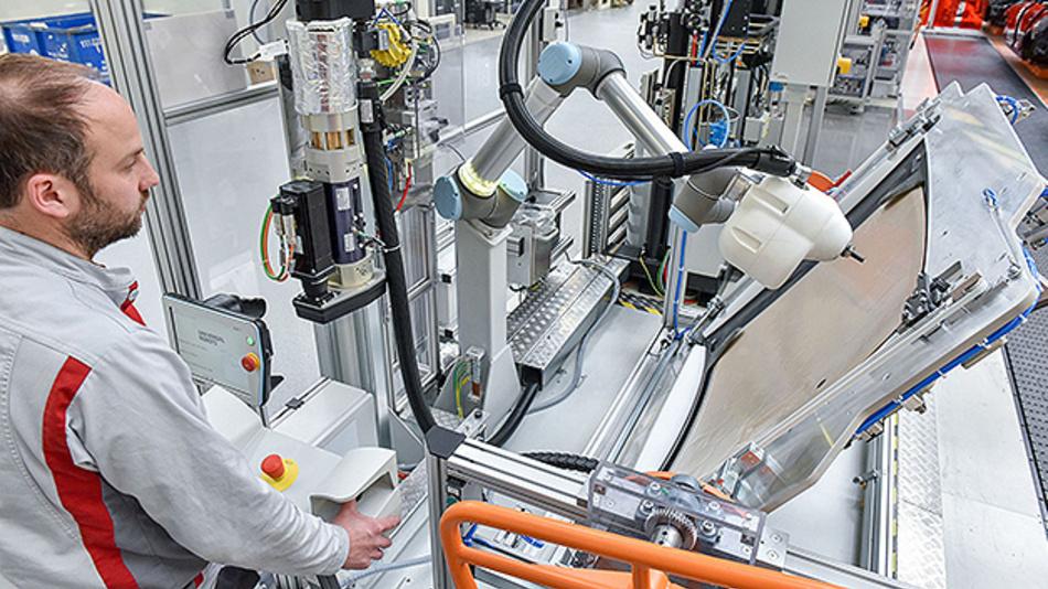 Audi setzt für die Smart Factory auch auf die Mensch-Roboter-Kollaboration.