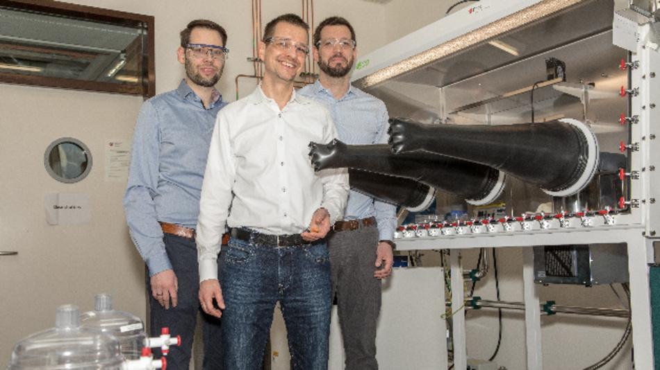 Ruben-Simon Kühnel, Stephan FAhlbusch und Corsin Battaglia gehören zum SeNSE-Koordinierungsteam vom Empa.