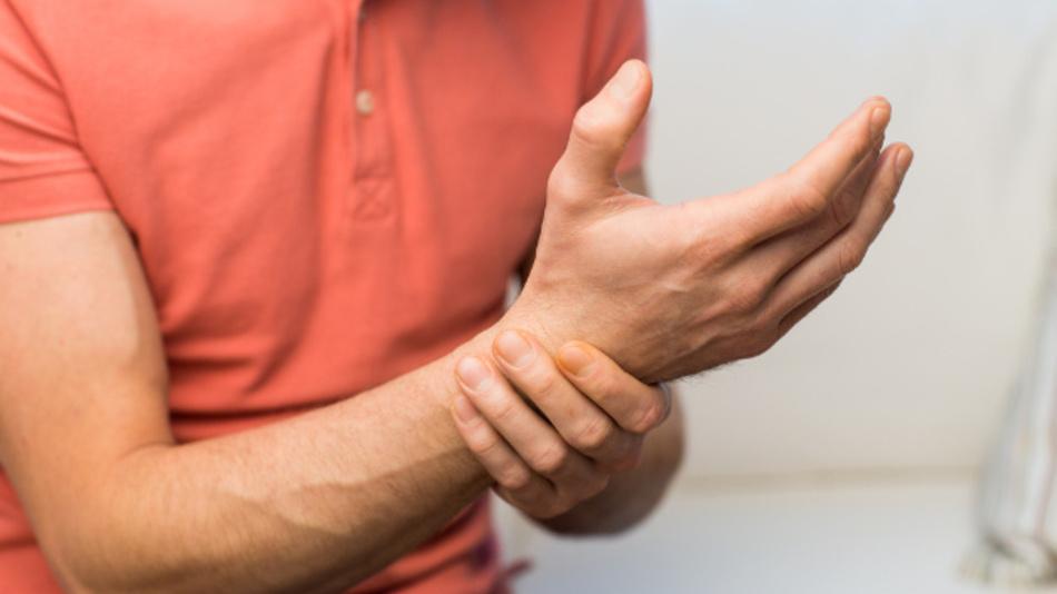 Schmerzen in Armen und Händen vermeiden – das verspricht die im Forschungsprojekt »PowerGrasp« entwickelte Orthese.