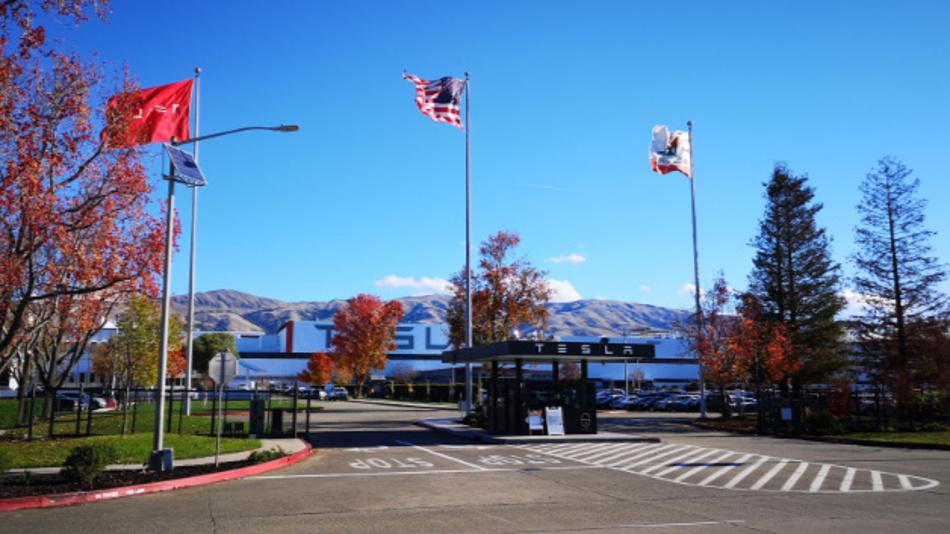 Das Tesla-Werk in Fremont / Kalifornien.