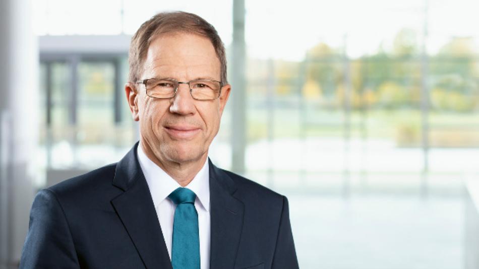 »Es gilt, neue Möglichkeiten zur Effizienzsteigerung zu finden«. Dr. Reinhard Ploss sprach auf der Infineon Hauptversammlung 2020 über eine neue strategische Ausrichtung und gab den aktuellen Stand der Cypress-Übernahme bekannt.