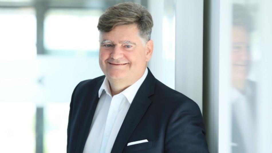Roland Chochoiek, Executive Vice President Heitec