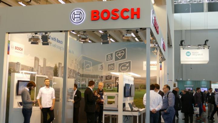 Bosch zeigte in Halle 4A seine MEMS-Sensoren und ein neues Projektionssystem für Smart Glasses.