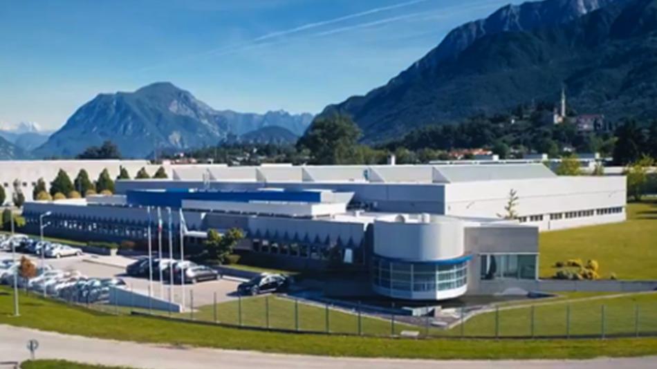Asem gilt seit dem Jahr 2000 als der größte italienische Produzent von Industrie-PCs. Das Unternehmen beschäftigt 185 Mitarbeiter.