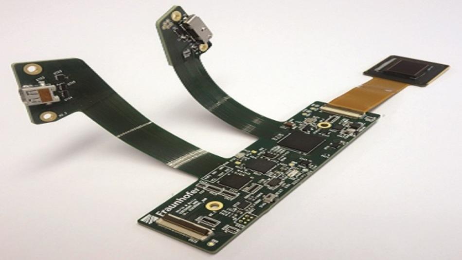 Bild 2: Beispiel eines OLED-Mikrodisplays mit Ansteuerelektronik für HMDs.